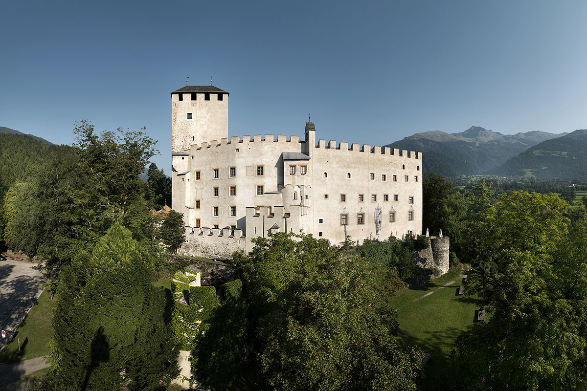 [Translate to Englisch:] Schloss Bruck